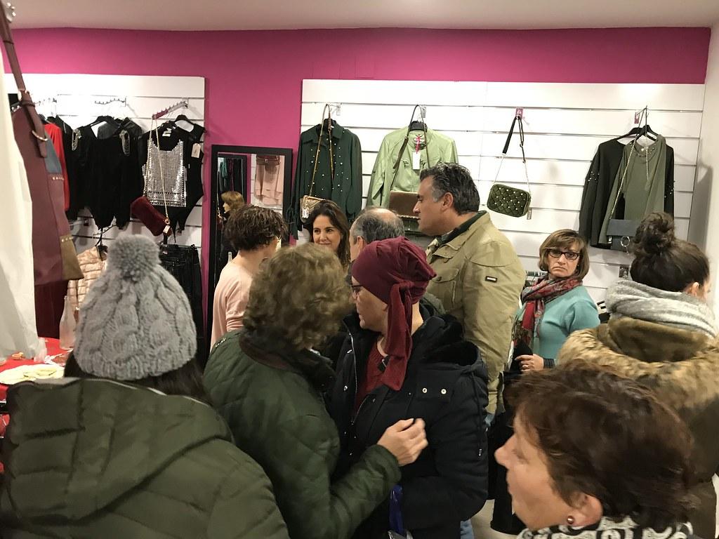 La Noche de Compras finalizó con éxito para el Comercio de Coria y todavía continúa la Campaña de Navidad con muchos descuentos y regalos para los clientes