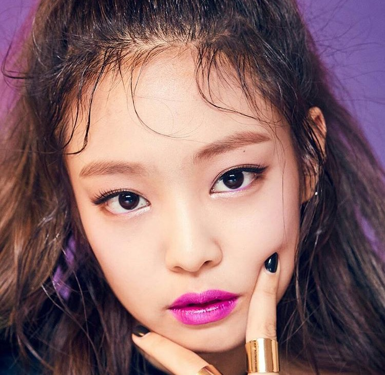 balckpink-jennie-moonshot