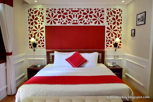halfwhiteboy - la beaute de hanoi hotel vietnam 08