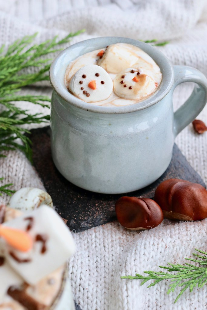 cooking, kate cooks, christmas, christmas canapés, christmas baking, the only hot chocolate you need this Christmas, the perfect hot chocolate, mint hot chocolate, floating snowmen hot chocolate,