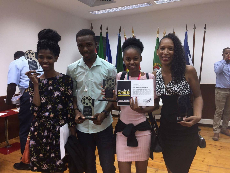 Atuais e  ex-estudantes distinguidos com prémio na Oficina
