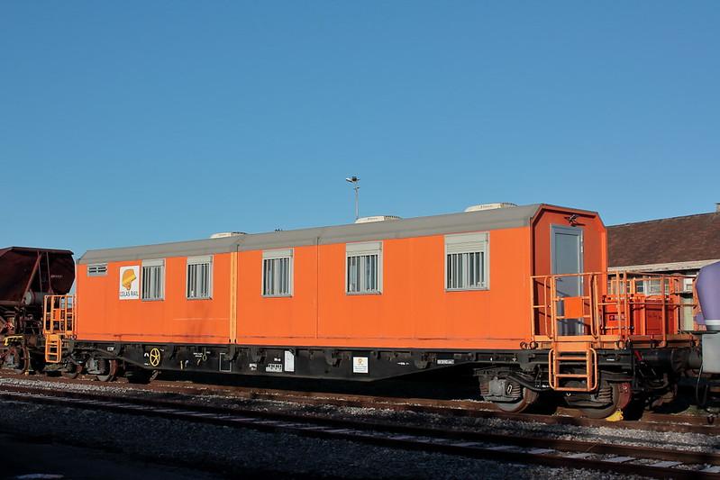 99 87 9 383 900-7 / Wagon bureau