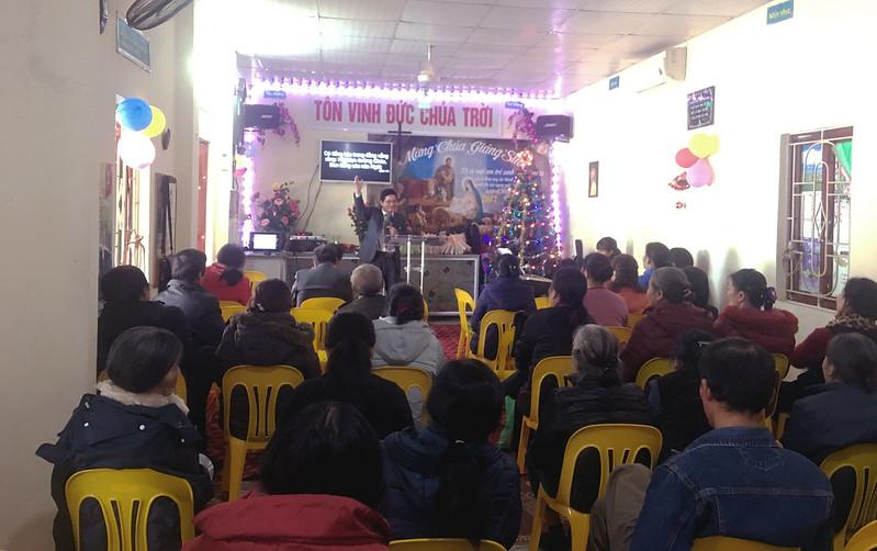 Hòa Bình - Điểm Nhóm Phương Lâm Giáng sinh gần 100 người tham dự