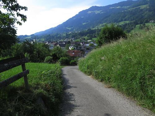 20170614 04 403 Jakobus Hügel Wald Wiese Ortschaft