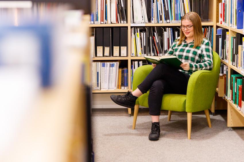 Opiskeluvinkkejä vinkkejä opiskeluun lukioon kirjoituksiin koeviikolle kokeisiin lukemiseen studying student-2518