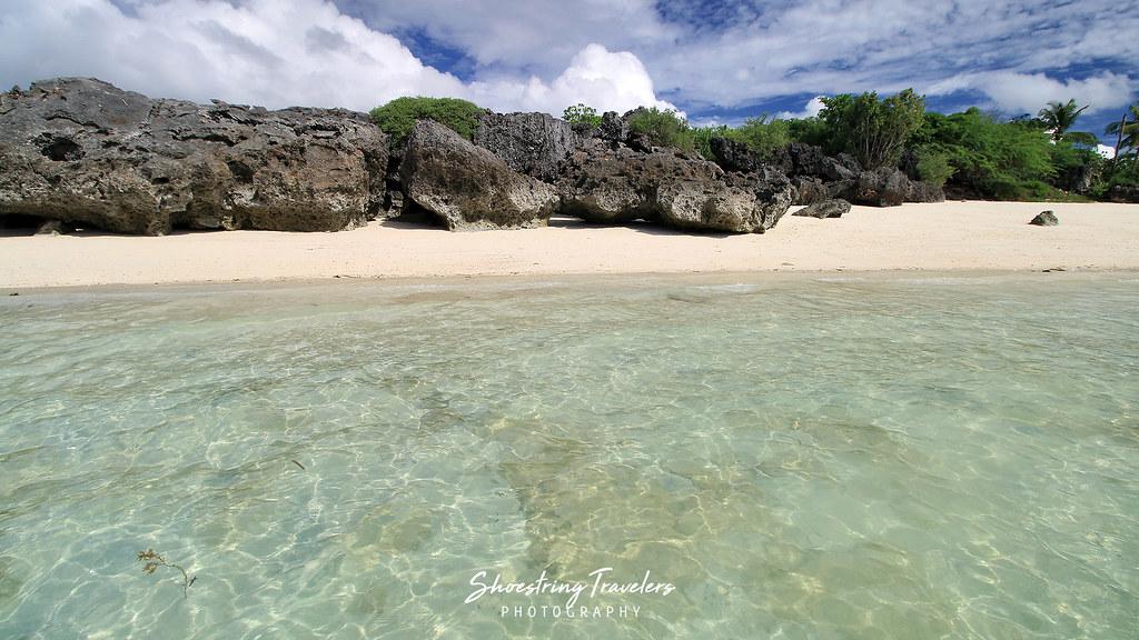 more karst rocks at Paradise Beach