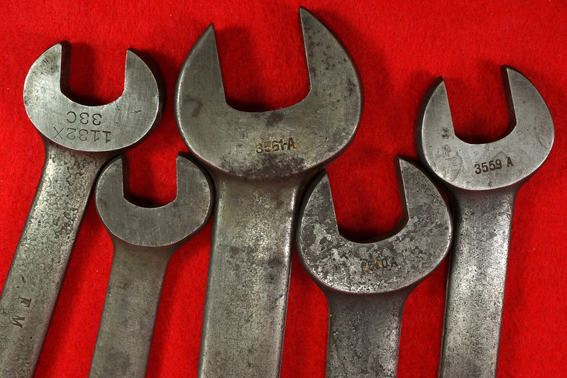 RD19864 3 Ford Motor Antique Armstrong Open End Wrenches 3559-A, 3560-A, 3561-A Model A & 2 Ford Motor The Billings & Spencer Co Hartford 1132 & 1128 DSC03184