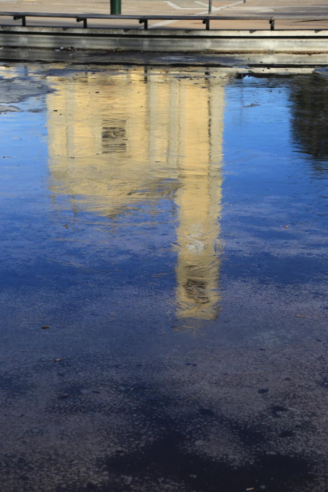 Piazza della Pieve... una pausa di riflessione