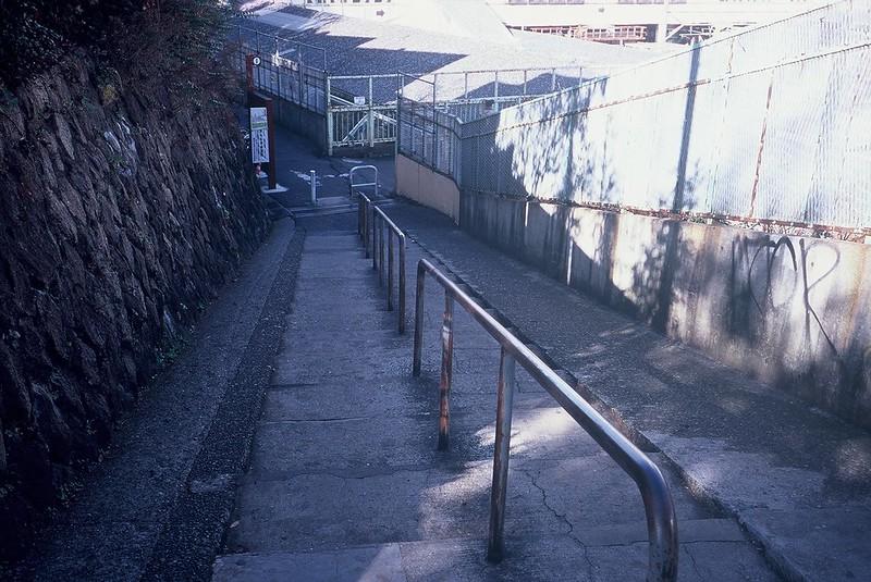 KONICA HEXAR RF+Voigtlander Color Scopar 35mm f2.5日暮里駅前の階段
