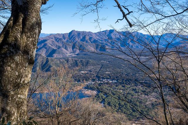 青木ヶ原と御坂山地