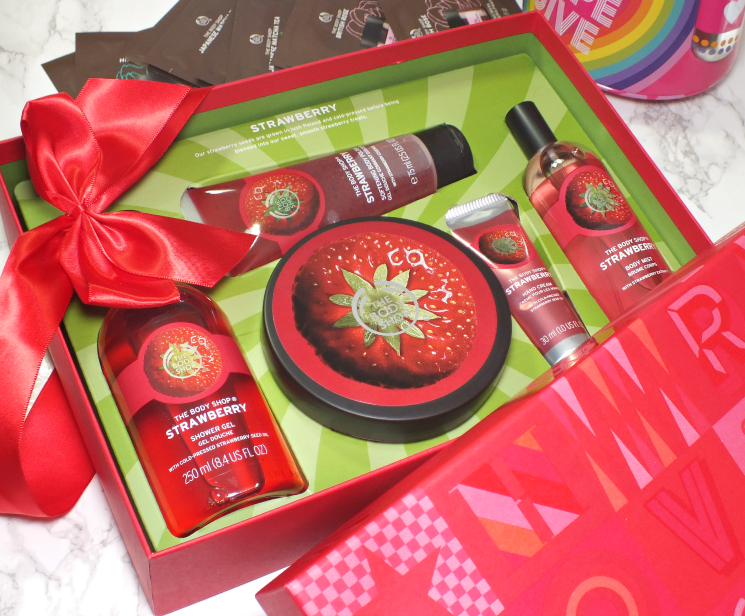 the body shop strawberry premium collection
