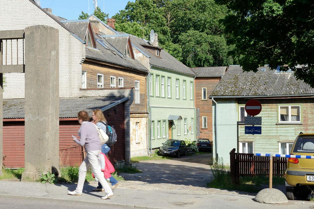 Dsc 7793 Hinterhof Mit Wohnhausern Holzhausern Archite