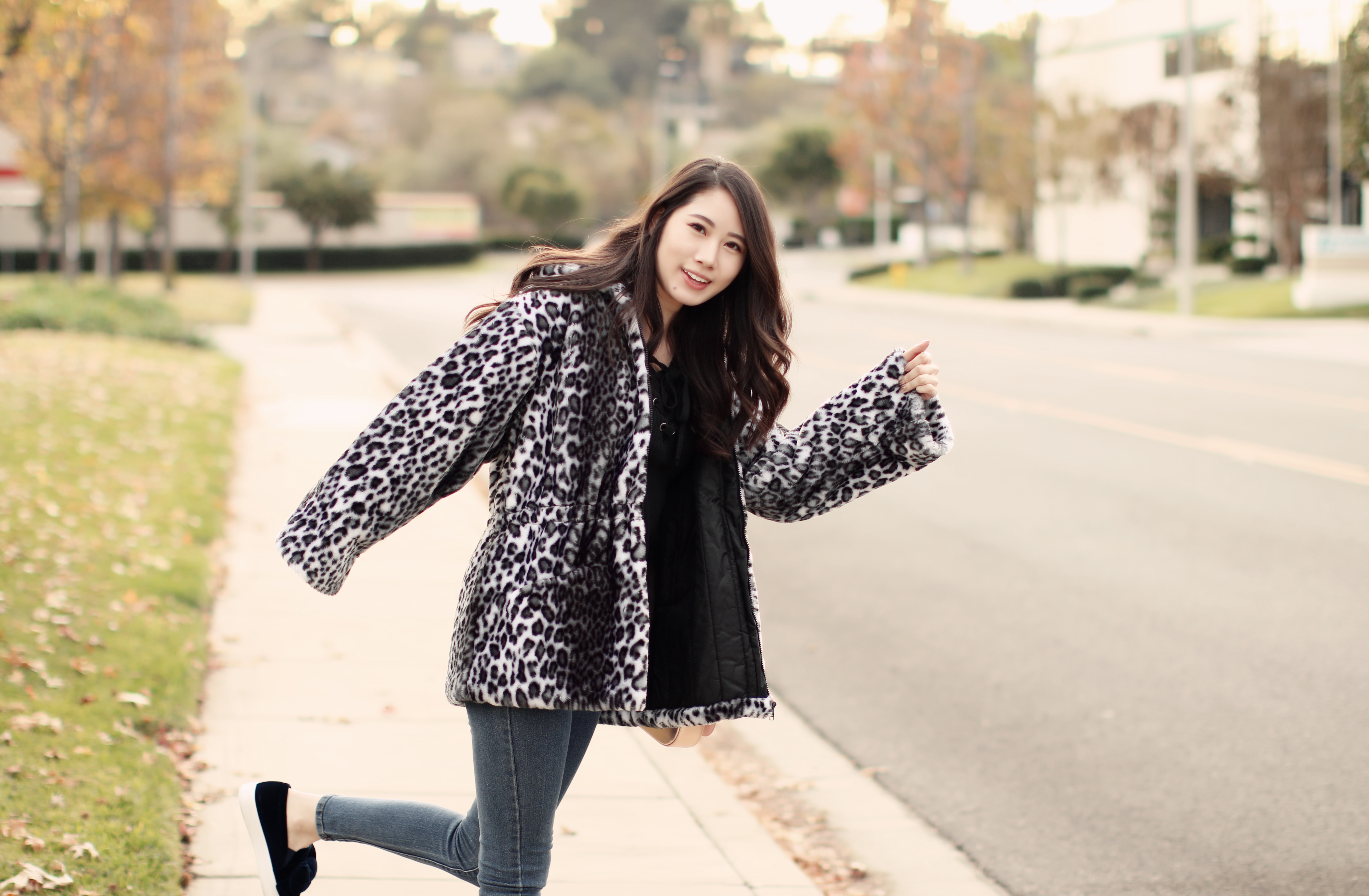4055-ootd-fashion-style-outfitoftheday-wiwt-streetstyle-furcoat-fauxfur-forever21-f21xme-hollister-hcostylescene-elizabeeetht-clothestoyouuu