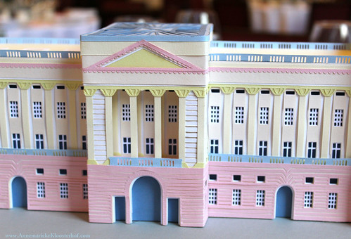 Paper Cut Buckingham Palace by Annemarieke Kloosterhof - Detail