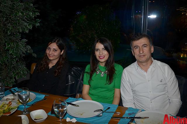 Şule Budak, Özlem Harman, Beko İzmir Şube Müdürü Tevfik Hakan Harman