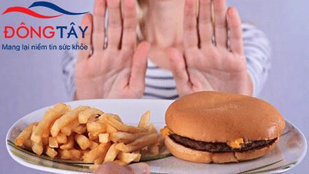 Sau cắt túi mật cần hạn chế ăn chất béo để tránh rối loạn tiêu hóa