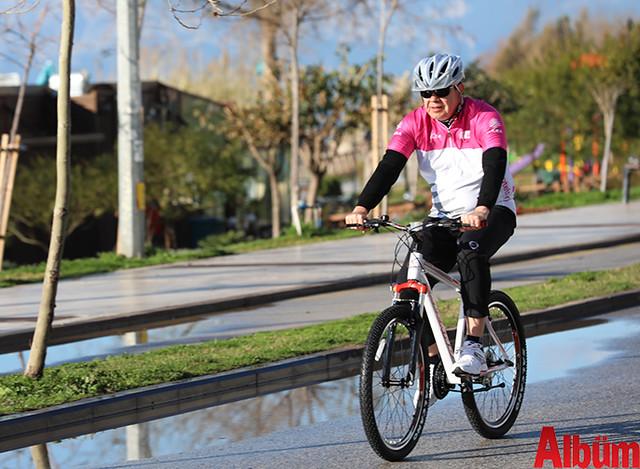 Antalya Büyükşehir Belediyesi Başkanı Menderes Türel farkındalık için bisiklet sürdü -5