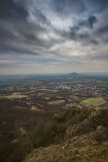 Vyhlídka z Košťálu na Hazenburk