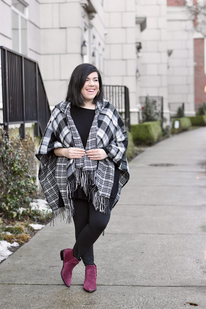 Plaid Poncho-@headtotoechic-Head to Toe Chic