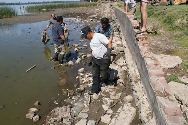 Mortandad de peces en laguna de Lobos