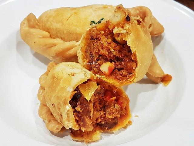 Sambal Seafood O Curry Puff