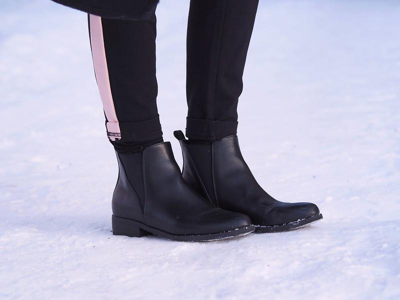 ihan lemppari housut kengät ja sukat