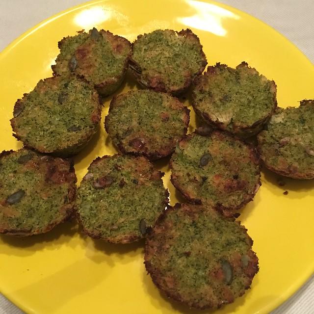 Gâteaux moelleux au brocoli