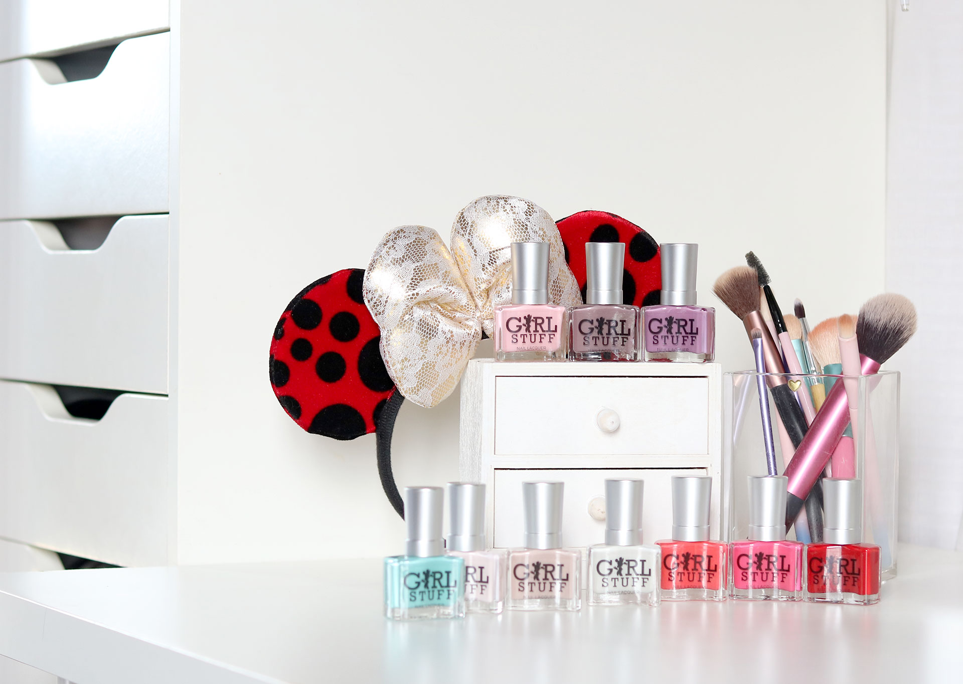 1 Girlstuff Minnie Mouse Nail Lacquers Collection Review Swatches Photos - Gen-zel She Sings Beauty