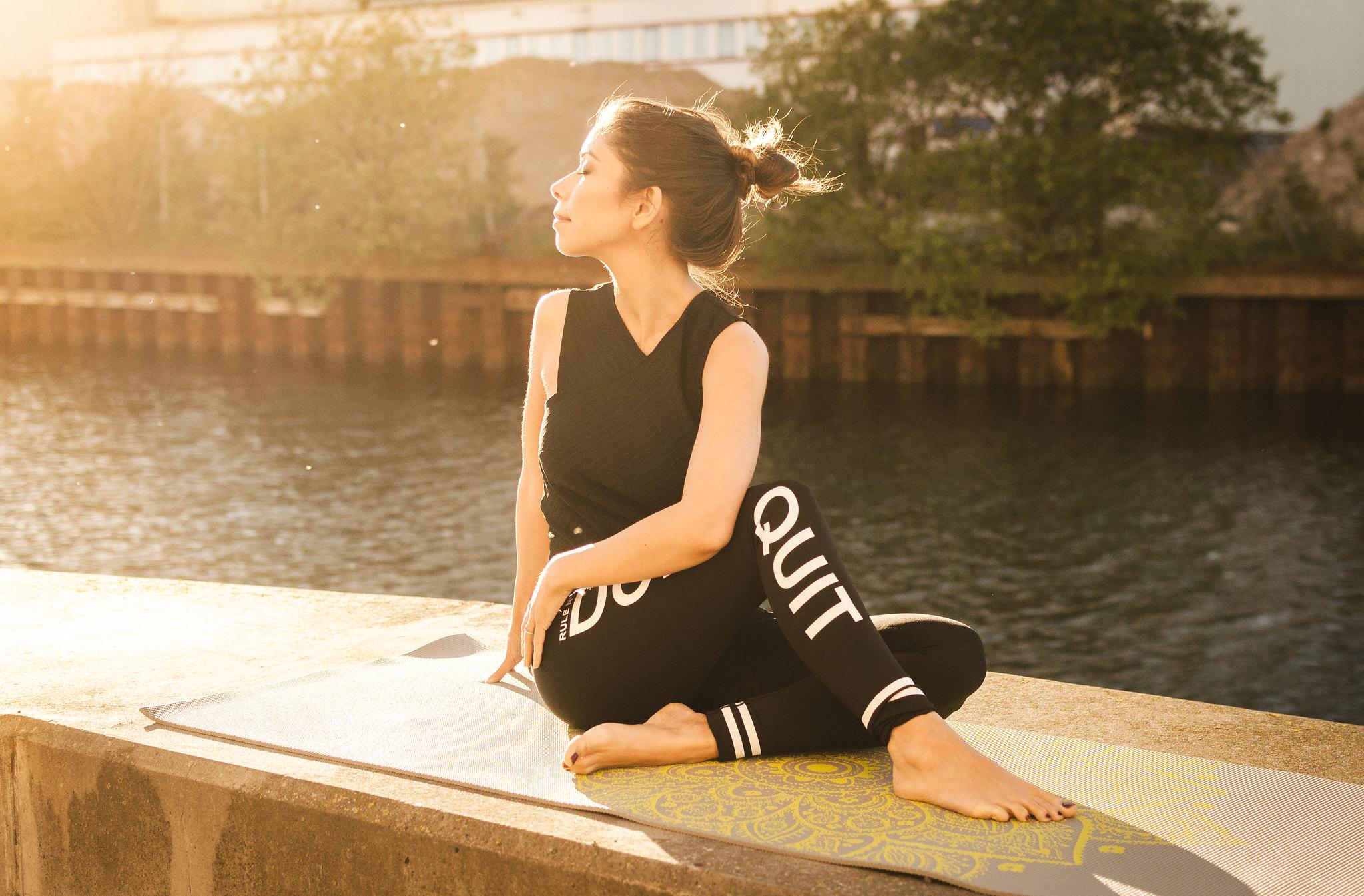 yoga méditer sport bienfaits relaxer