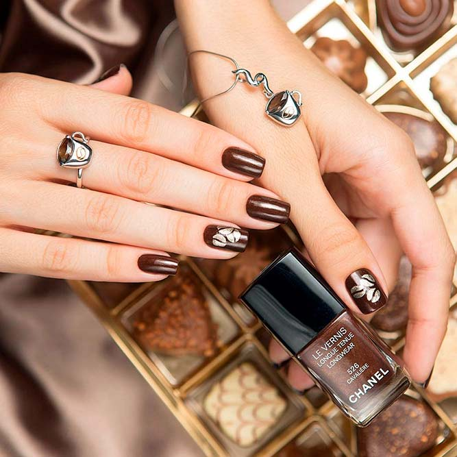 Today we will present you a collection of Fall Color Nails Design that are  the trendiest these days, be it some darker moody art or something casual  in ... - Stylish And Chic Fall Color Nails Design - Nails C