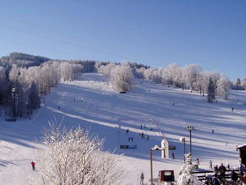 Jednodenní skipas ve Ski centru MIROSLAV s 35 % slevou