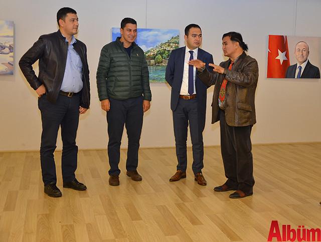 Alanya Cumhuriyet Başsavcısı Yasin Emre, Alanya İlçe Emniyet Müdürlüğü Asayiş Büro Amiri İsa Arı ve Azerbaycanlı Ressam Eldar Zeynalov sergi -11