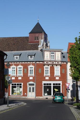 Blick vom Riethstieg zur katholischen Pfarrkirche St. Gertrud
