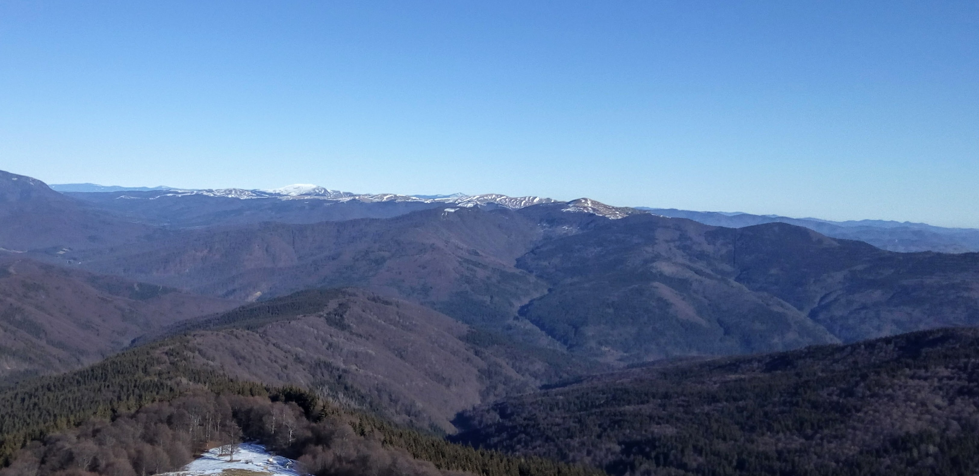 Hiking Grohotis Mountains