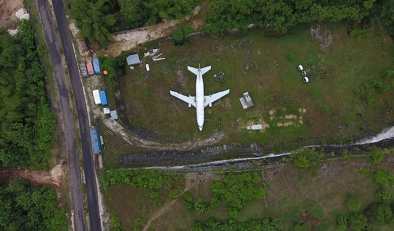 avion abandonado bali vista aerea