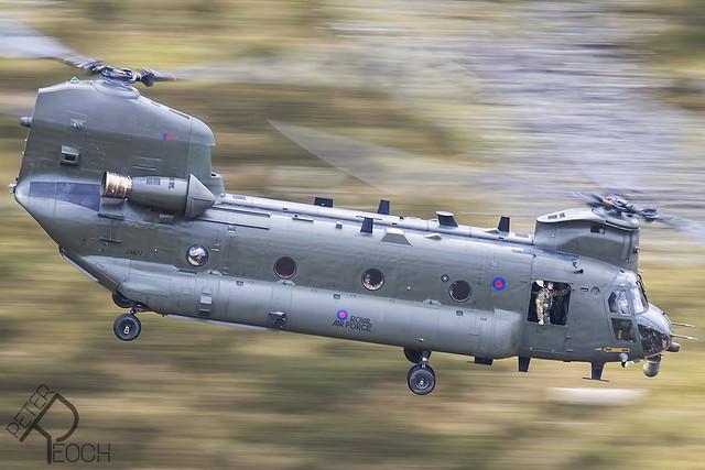 ZA677 / Royal Air Force / Chinook HC4