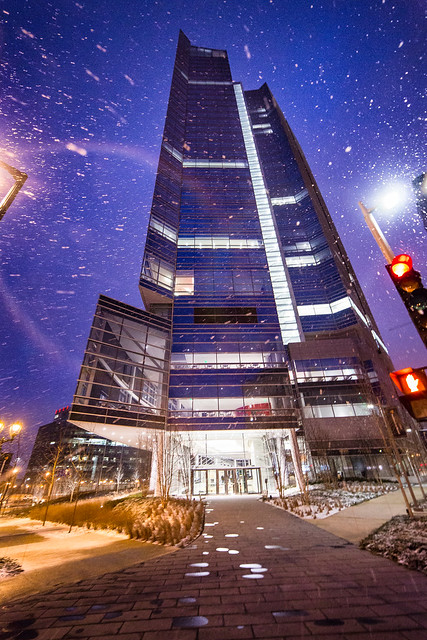 Snowfall and the Northwestern Mutual Building