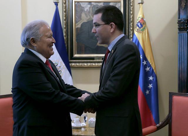 Reunión con canciller venezolano
