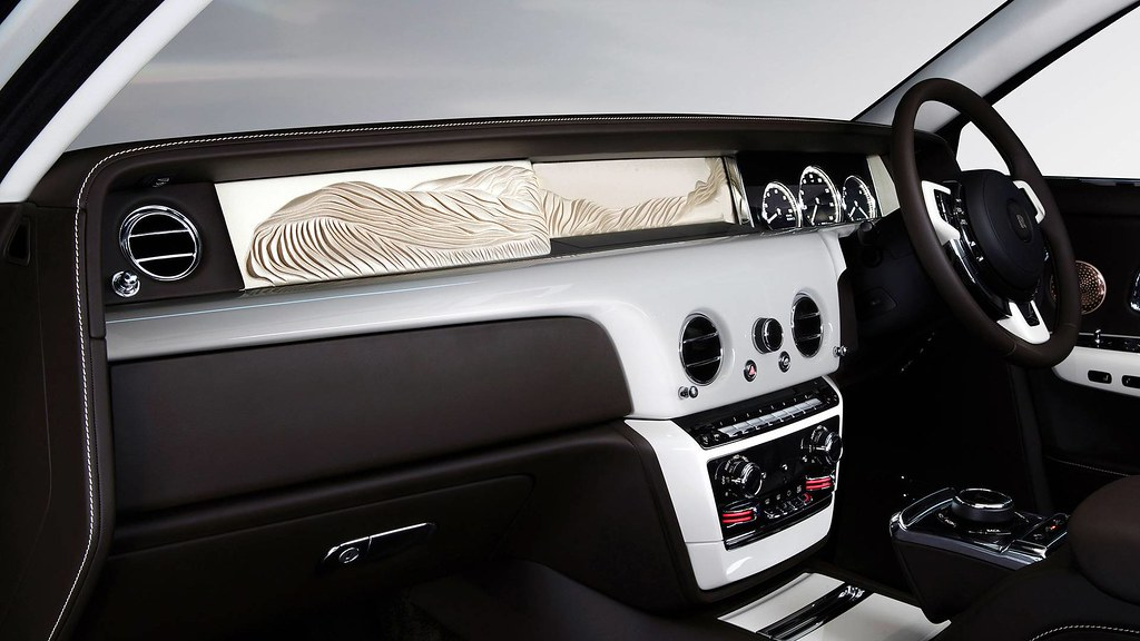 rolls-royce-phantom-whispered-muse (1)
