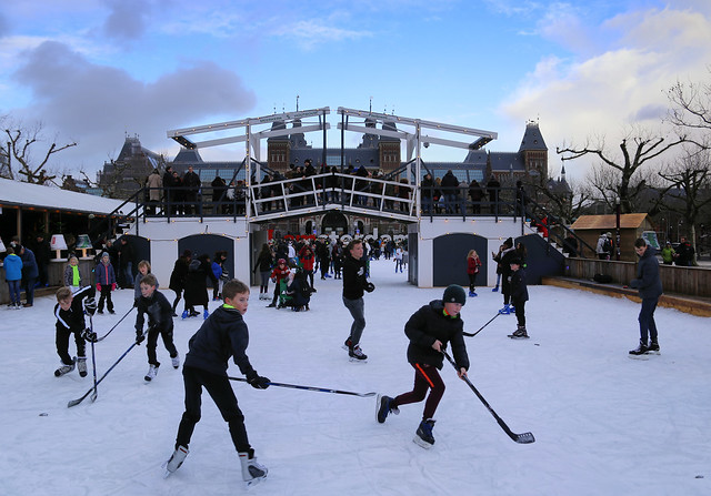 Playing ice hockey at the Museumplein
