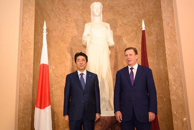 Ministru prezidenta Māra Kučinska un Japānas Ministru prezidenta Šindzo Abes tikšanās un preses konference