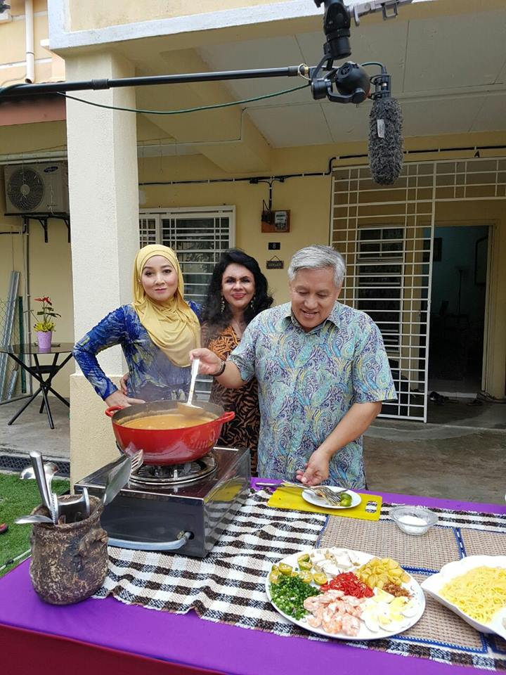 AIR TANGAN IBU BERSAMA CHEF WAN DI TV2