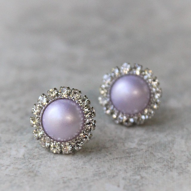 Lavender pearl earrings! Ships in a gift box! https://t.co/csQYilaYJs #jewelry #Earrings #cute #gift #wedding https://t.co/1k8es4EqPe