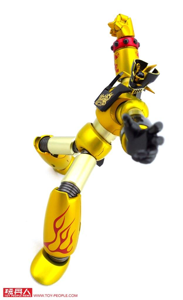給鐵金剛迷「好運汪汪來」的最大禮! 【狗年限定】SUPER ROBOT超合金 無敵鐵金剛 Year Model 戌年 開箱報告!