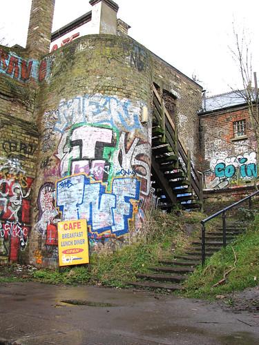 Cafe sign & graffiti