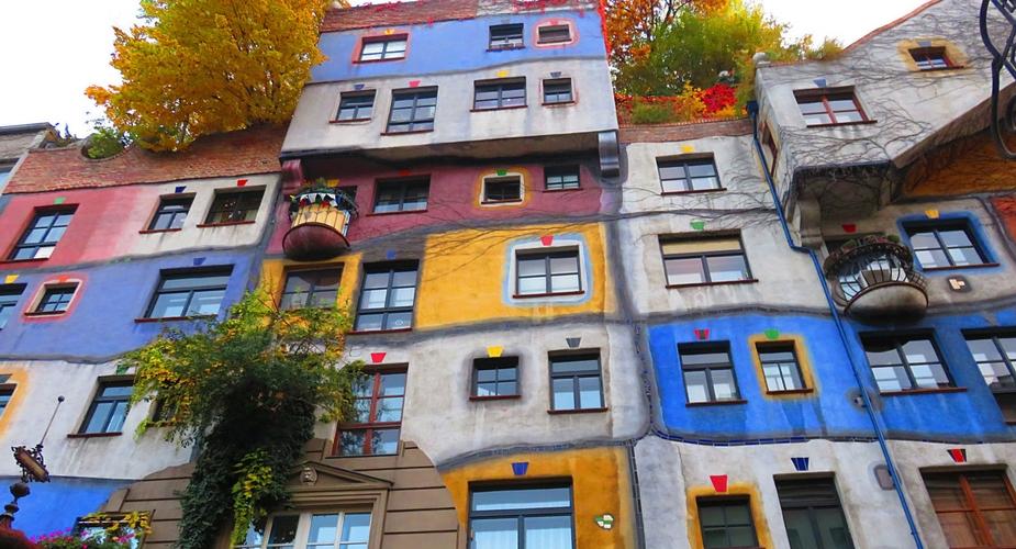 Budgettips Wenen, gratis bezienswaardigheden Wenen: Hundertwasser haus | Mooistestedentrips.nl