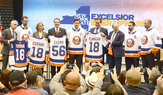 Curran, Cuomo Welcom Back the Islanders