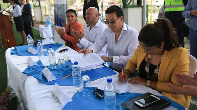 Firma de convenio interinstitucional entre Mineduc y San Miguel de los Bancos