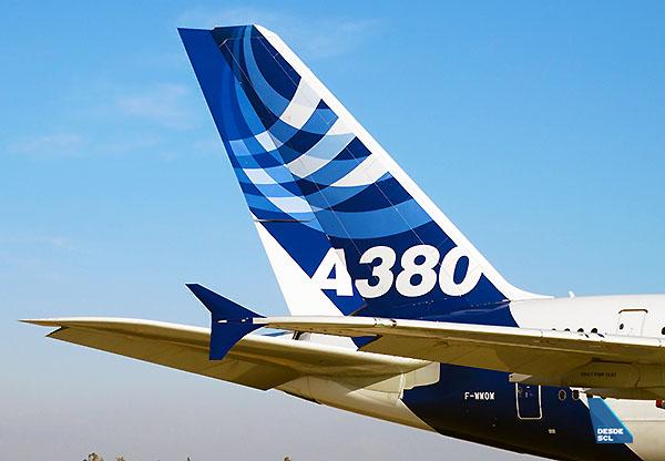 Airbus A380 tail FIDAE (RD)