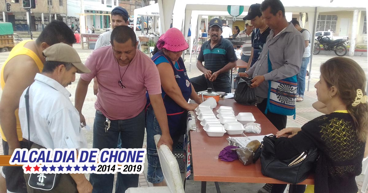 Feria Agroproductiva dinamiza el comercio en Chone